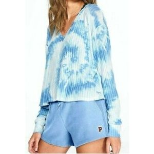 VS PINK COZY BLUE TIE DYE V-NECK SWEATER